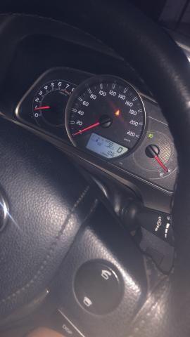 Rav 4 2013 4x2 fip 67000 carro sinistrado - Foto 3