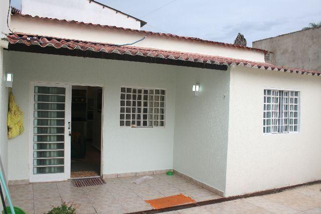Casa 2 quartos condomínio fechado 80 metros churrasqueira IAPI, Guará II -DF