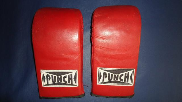 Luva bate saco de pancadas Punch em couro legítimo