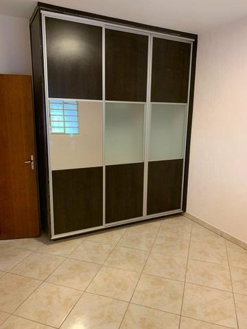 Casa Belíssima.otima localização 2 qts 4 garagem prox shopping Passeio das águas - Foto 2
