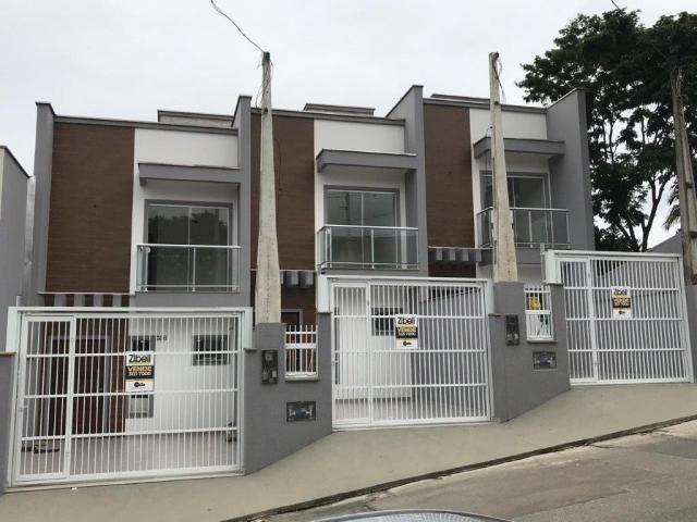 Casa à venda com 3 dormitórios em Petrópolis, Joinville cod:V37102
