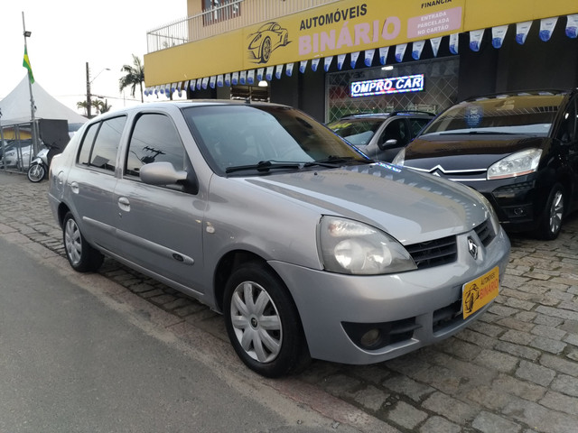 Clio sedã 1.6 2006 privillege