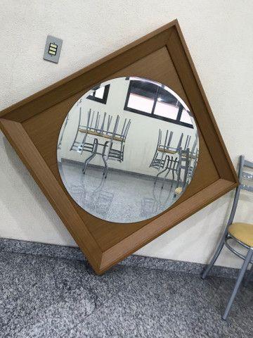 Espelho com moldura de madeira - Foto 3