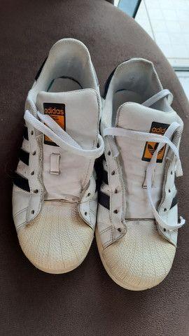Tênis Adidas superstar usado.  - Foto 2
