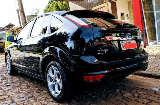 Ford Focus titanium com teto solar 70.000km