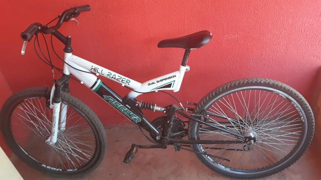 Bicleta Hill Razer