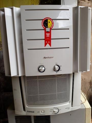 Vendo um ar condicionado semi novo