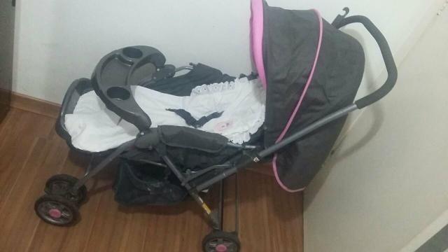 Carrinho de bebê + bebê conforto e bolsa com trocador
