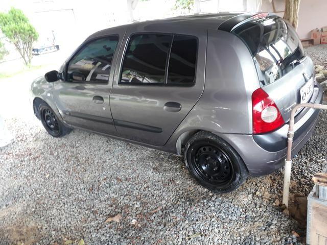 Clio 2006 1.0 16v com direção, vidros e travas. Pego moto!!