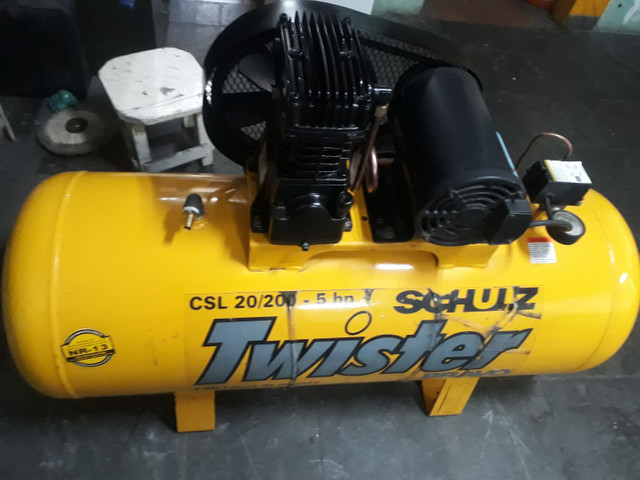 Compressor SCHULZ 20pés/200litros/140libras/Trifásico, OTIMO ESTADO,  - Foto 3