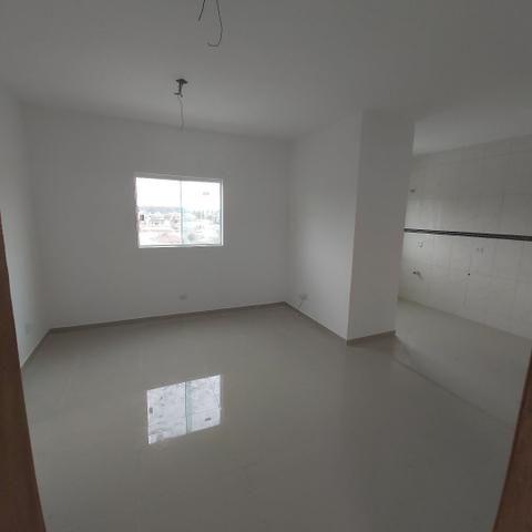 // sacada , vaga coberta , 02 Quartos, Novo, piso completo.  5min term. Fazendinha  - Foto 2