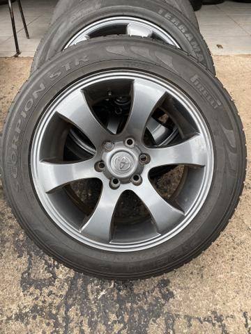 Rodas Hilux aro 20 Toyota ( rodas e pneus) menor valor!!