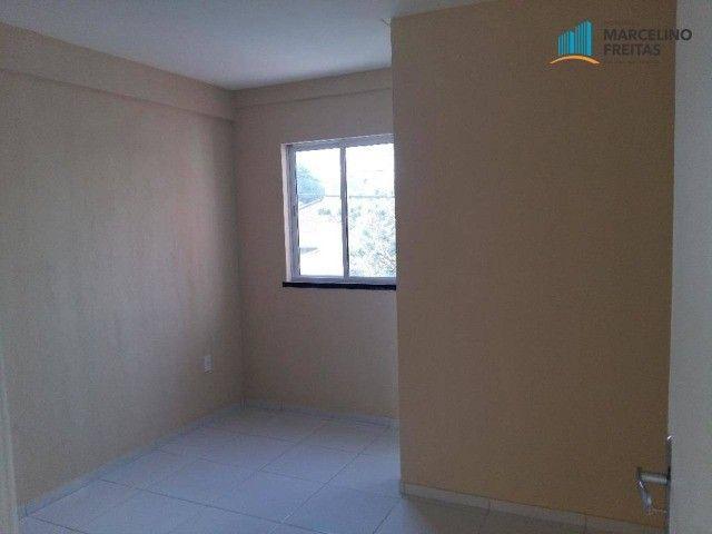 Apartamento com 2 quartos, 67 m², aluguel por R$ 1.309/mês - Foto 2
