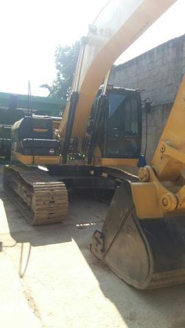 Escavadeira cat 320D 2010