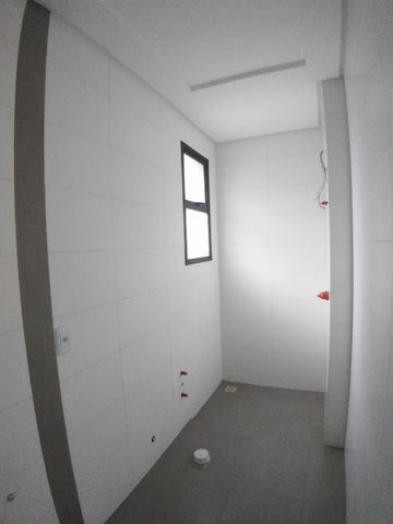 Apartamento 2 Suítes 97 M².Sacada com Churrasqueira, Lavabo, 1 Vaga no Centro - Foto 17