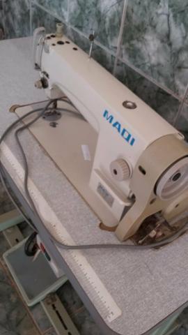 Maquina de costura reta industrial, 2.000$