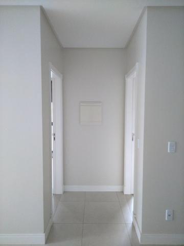 Apartamento 2 Suítes 97 M².Sacada com Churrasqueira, Lavabo, 1 Vaga no Centro - Foto 10