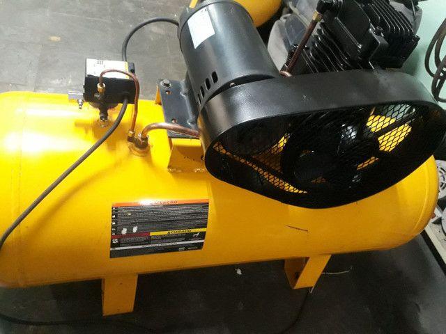 Compressor SCHULZ 20pés/200litros/140libras/Trifásico, OTIMO ESTADO,  - Foto 4