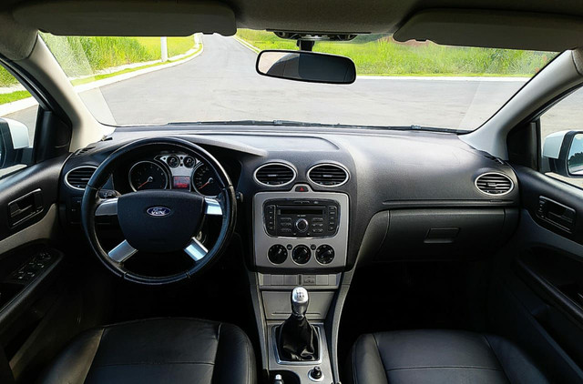 Ford Focus Hatch 1.6 2011 - Foto 4