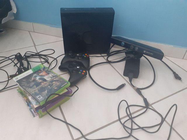 X box 360 semi-novo + 2 controles + Kinect + cabo+ jogos