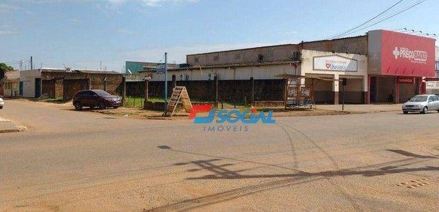 Terreno Comercial de Esquina para Locação em Localização Privilegiada, Av. Jatuarana (100m - Foto 2