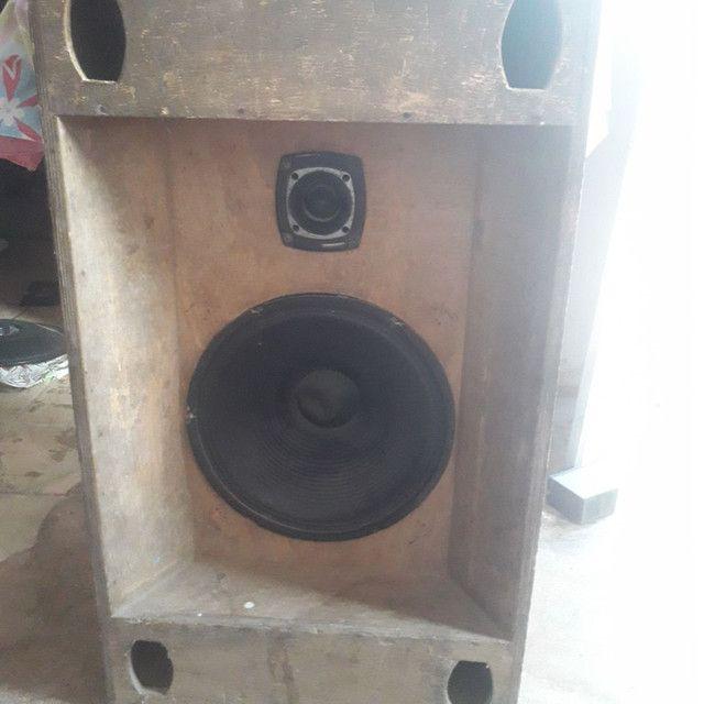 Caixa de som montado com auto falante de 15polegadas 350wts RMS e twiter st 302 selênio.