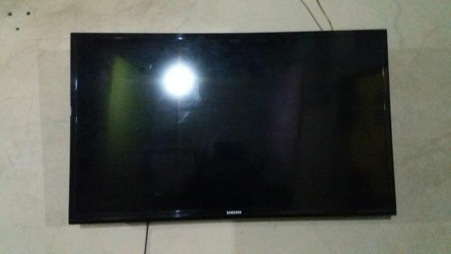 Vendo TV com defeito Samsung