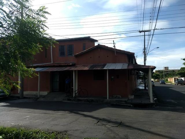 Casa no Porenquanto próx da Clínica Santa Fé de esquina - Foto 3