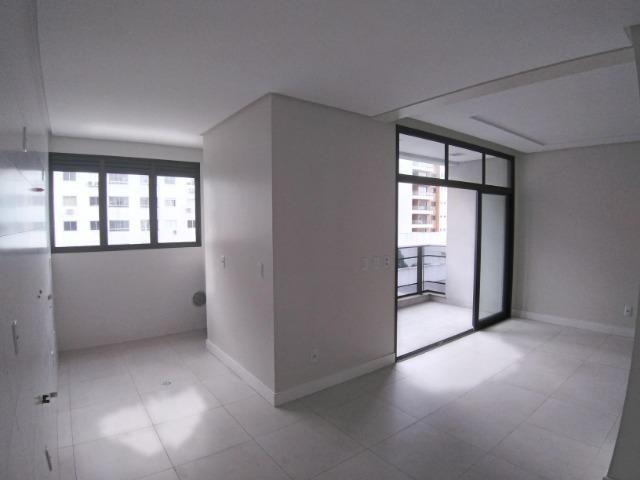 Apartamento 2 Suítes 97 M².Sacada com Churrasqueira, Lavabo, 1 Vaga no Centro - Foto 6