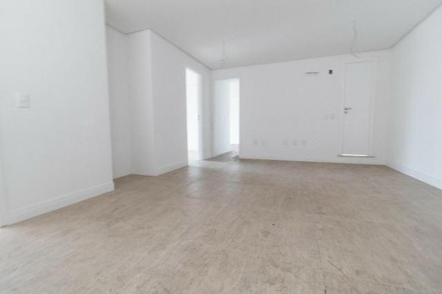 Brisas do Meireles, apartamento duplex com 3 suítes, gabinete, 4 vagas de garagem, - Foto 9