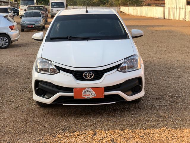 Toyota - Etios 1.5 X Sedan - Automático 2018 - Foto 2