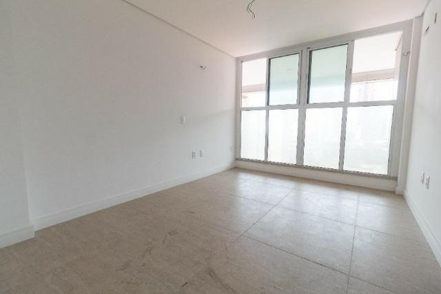 Brisas do Meireles, apartamento duplex com 3 suítes, gabinete, 4 vagas de garagem, - Foto 10