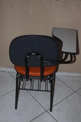 Carteira Escolar em Courino Laranja 87 cm x  50 cm x  44.5 cm - Foto 8