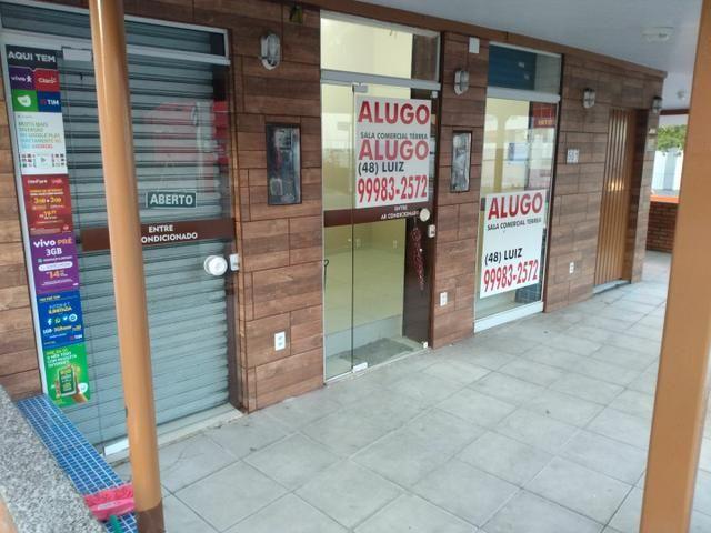 Alugo excelente sala comercial térrea na rua geral da agrônomica - Foto 2