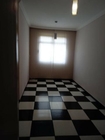 Apto. 1o andar, 2 qtos, sala, coz** armário, 2 banhos c/ box e armário, 1 vg - Foto 5