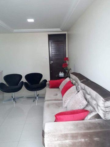 Apartamento nos Bancários com 3 quartos, sendo 1 suíte, varanda e piscina - Foto 8