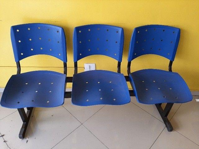 Longarina Plástica 03 Lugares - Cor Azul