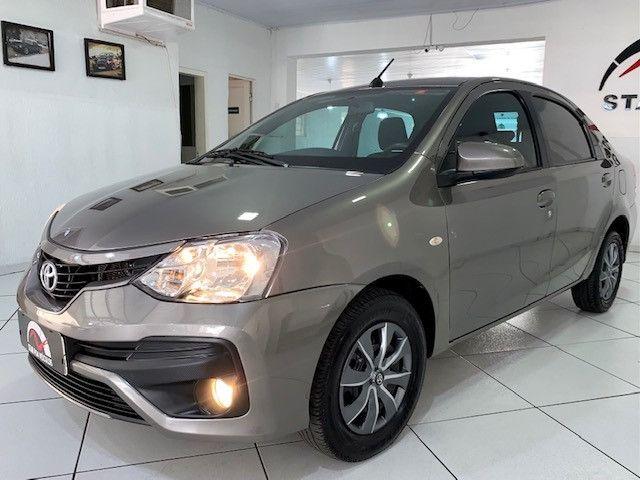 Etios XS Sedan 1.5 2018 - Foto 2