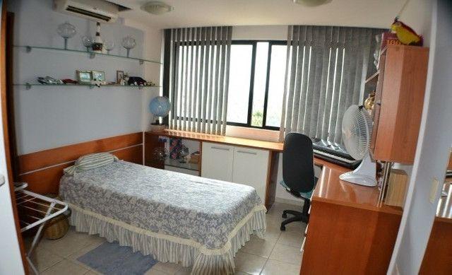 Apartamento 05 Suítes, 221,5m², um por andar em Miramar - Foto 11
