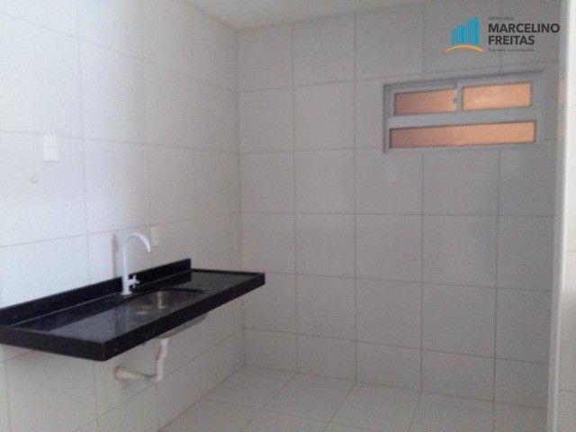 Apartamento com 2 quartos, 67 m², aluguel por R$ 1.309/mês - Foto 3