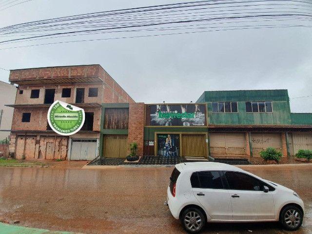 Aceita permuta!!! Prédio em Águas Lindas com 04 apartamentos + 2 Lojas - Foto 3