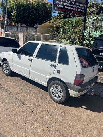 Vendo Fiat uno 2013 com ar  - Foto 2