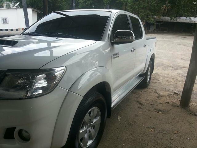 HILUX 13/14 COMPLETA SRV