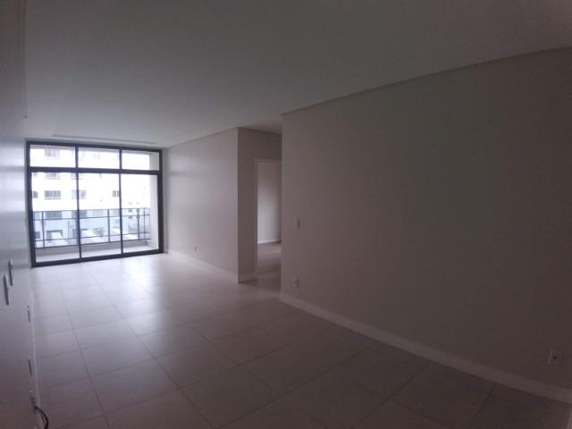Apartamento 2 Suítes 97 M².Sacada com Churrasqueira, Lavabo, 1 Vaga no Centro - Foto 3