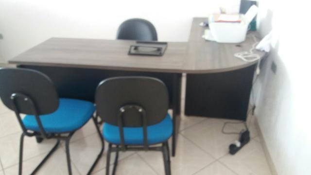 Mesa p escritório grande em L com chaves