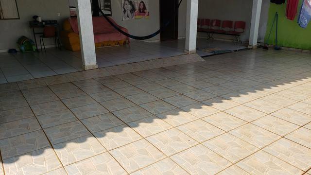 Casa simples com iptu 3quartos lote 270m2 rua 8vila São José Vicente Pires - Foto 2