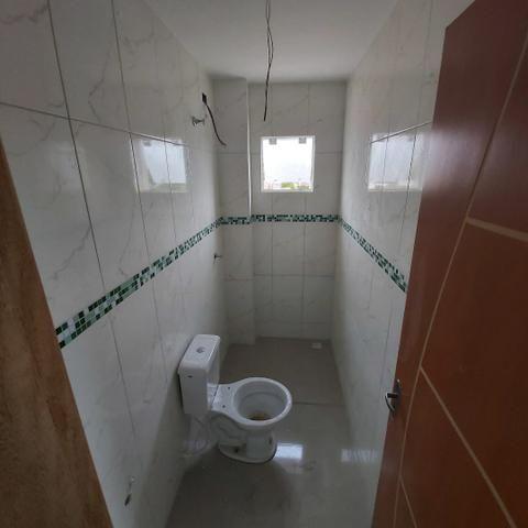 // sacada , vaga coberta , 02 Quartos, Novo, piso completo.  5min term. Fazendinha  - Foto 4
