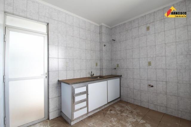 Apartamento para aluguel, 3 quartos, 1 suíte, Centro - Divinópolis/MG - Foto 15