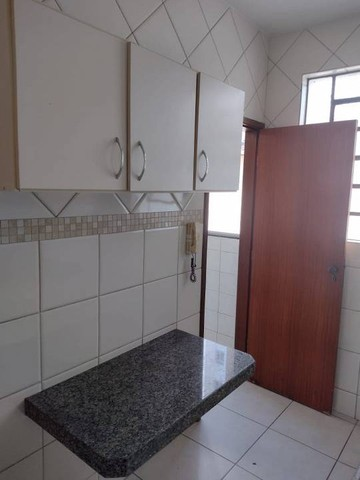 Apartamento para aluguel possui 65 metros quadrados com 3 quartos - Foto 14