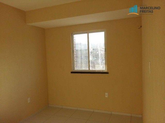 Apartamento com 2 quartos, 67 m², aluguel por R$ 1.309/mês - Foto 4